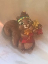 Estate Hallmark Signed Plastic Squirrel with Fall Leaves Thanksgiving Ho... - $8.59