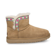 UGG ROSAMARIA EMBROIDERY CHESTNUT SUEDE SHEEPSKIN BOOTS SIZE US 10/UK 8.... - $2.451,97 MXN