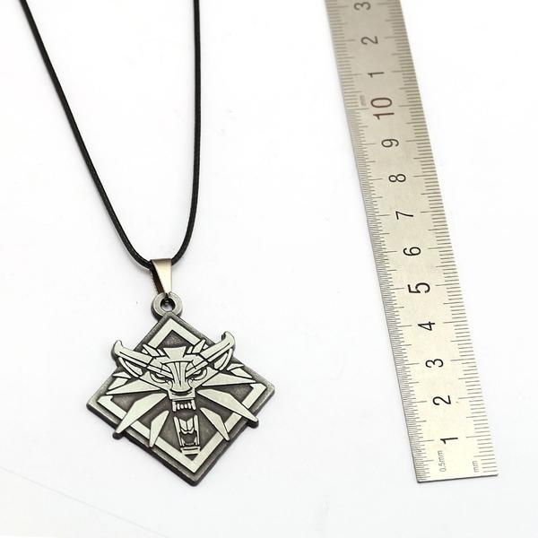 The Witcher 3 Wild Hunt Wolf Head Game Theme Pendant / Necklace - Unisex image 7