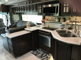 2017 Winnebago Tour 42QD for sale by Owner - Atwood, KS 67720 image 5