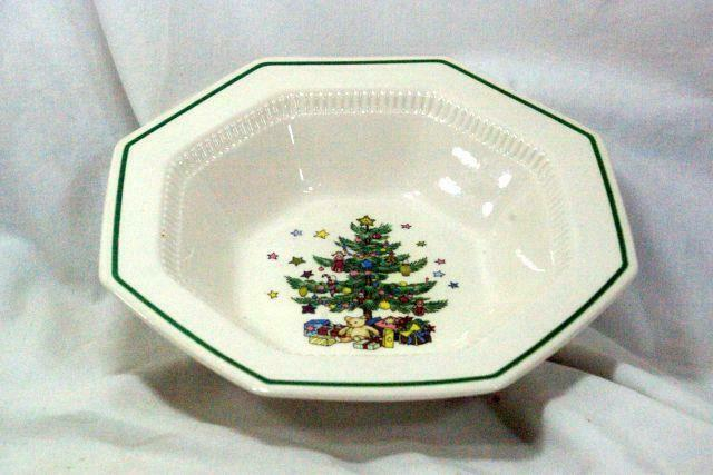 Nikko ChristmasTime  #259 Round Vegetable Bowl - $20.78