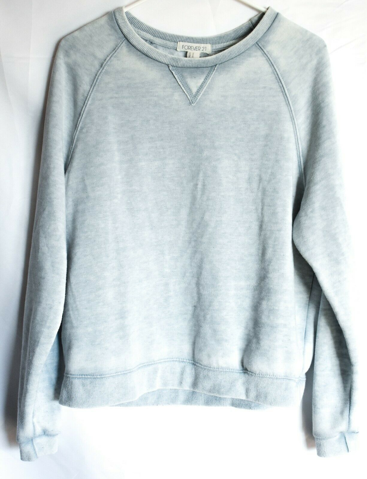 Forever 21 00137482 Faded Light Blue Long Sleeve Sweatshirt Size M
