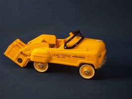 Hallmark 1997 Kiddie Car Murray Dump Ornament - $5.00