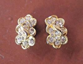 Vintage Rhinestone Gold Tone Clip Earrings - $18.70