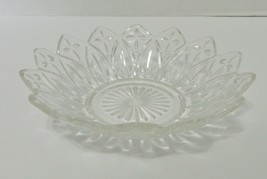 Federal Glass Petal Pattern Crystal Clear Round 8 Inch Glass Salad  Bowl  - $14.73