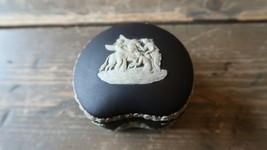 Beautiful Wedgwood Jasperware Scalloped Covered Trinket Box - $97.01