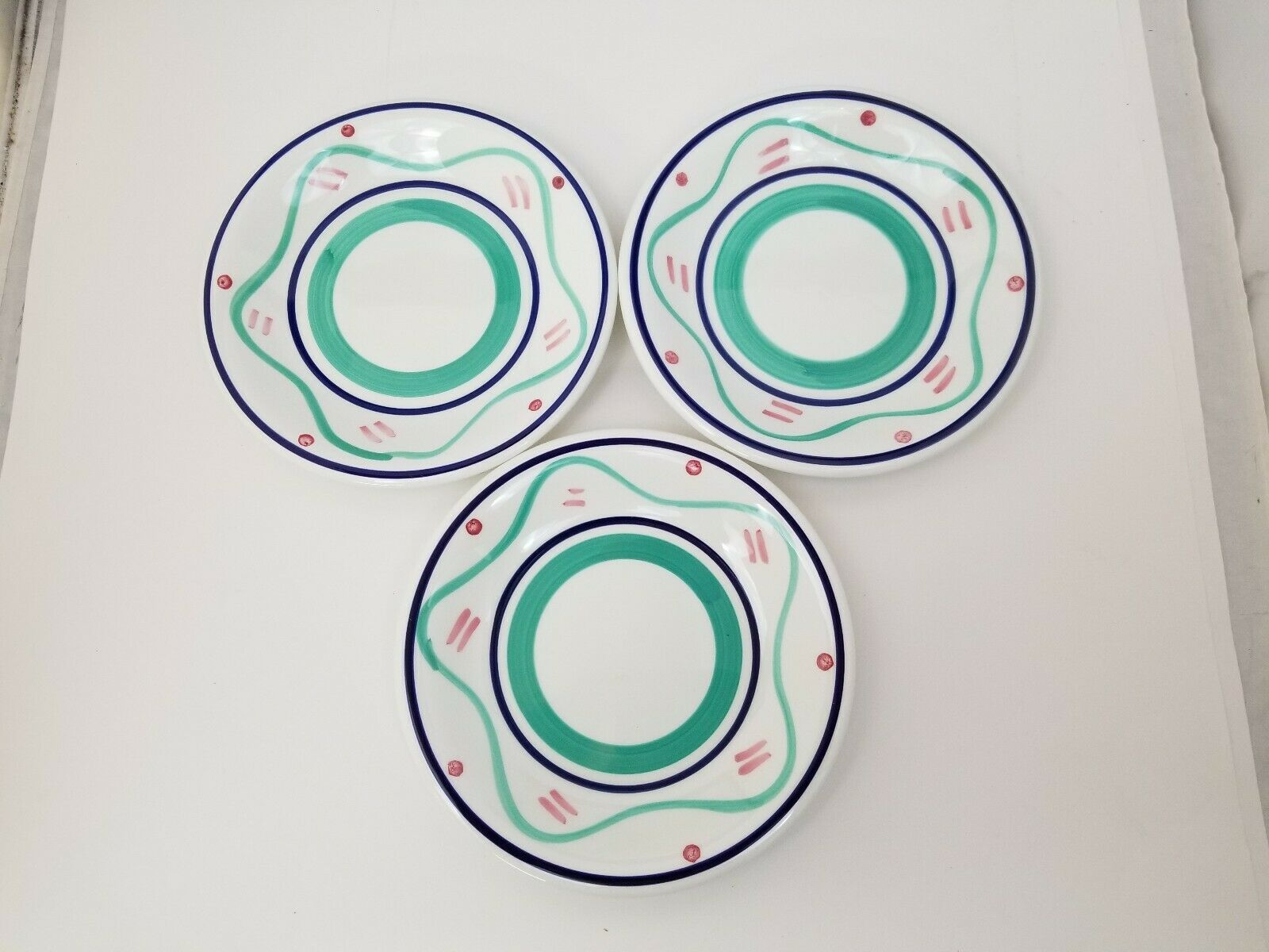 """Pier 1 Salad Plates Set of 3 La Primula Srl Made in Italy 7.75"""" Blue Red Green"""
