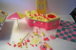 Vintage Barbie ICE CREAM SHOPPE Mattel #3653 Box Mat Accessories 1986  - $29.02