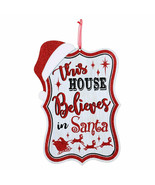 Country Christmas Sign-THIS HOUSE BELIEVES IN SANTA-Holiday Home Wall De... - $3.89