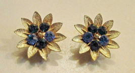 Vintage 50's Flower Crystal Rhinestone Clip On Button Earring Signed Lisner - $9.89