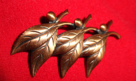 Copper Colored Leaves Fashion Brooch Pin Lightweight Stick Back Jewelry - $9.50