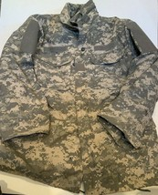US Army Rothco Field Jacket M65 Lined Coat Size Small Regular Camouflage - $47.47