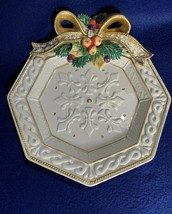 "Fitz & Floyd Christmas canape plate, wall hanging, 8"" sculptured bow - $9.89"