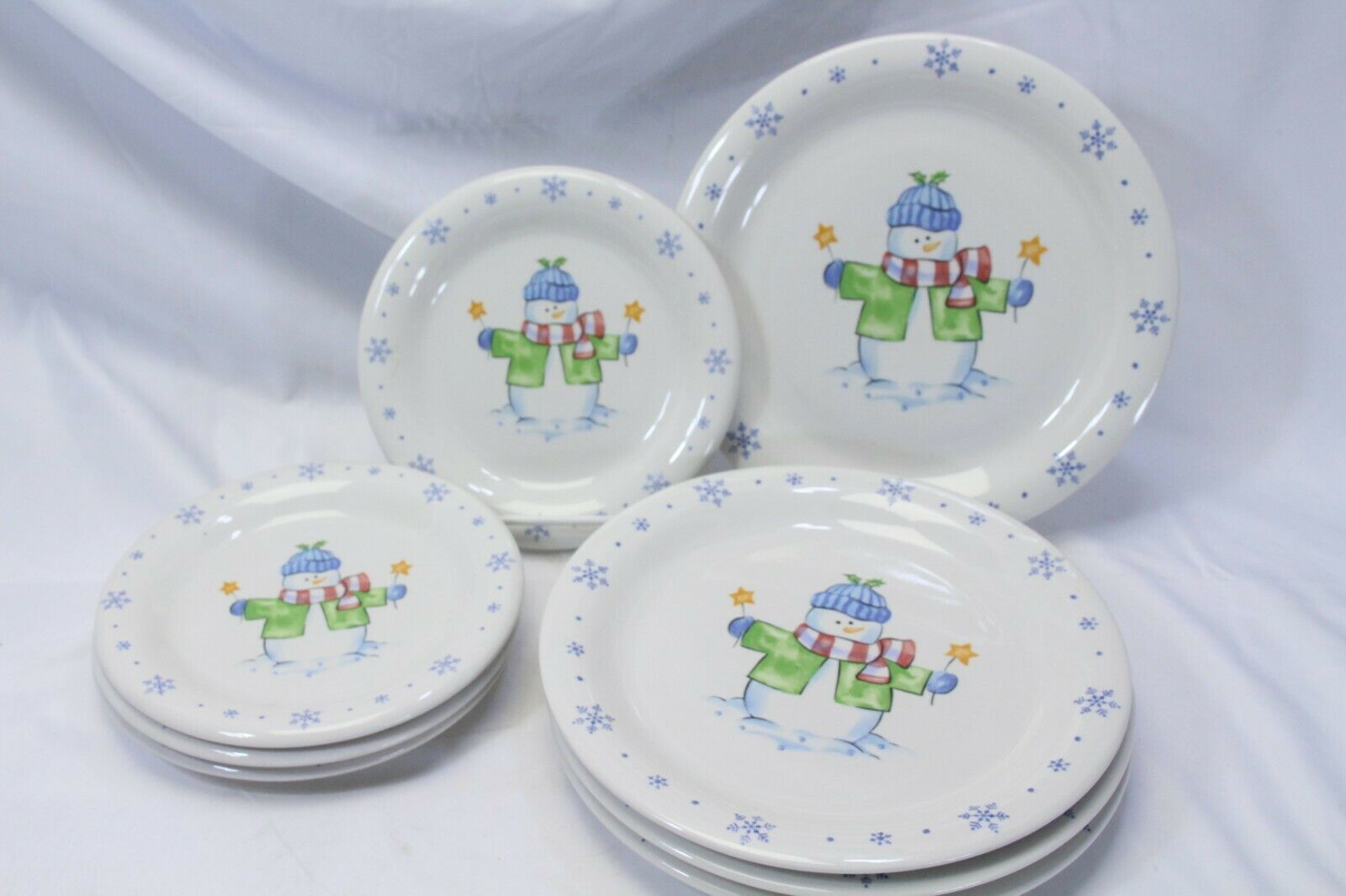 Enchanted Forest Xmas Snowman Snowflake Dinner and Salad Plates Lot of 8
