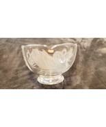 CLEAR GLASS FOOTED BOWL WITH EMBOSSED FROSTED SWAN DESIGN BOWL TELEFLORA - $10.99