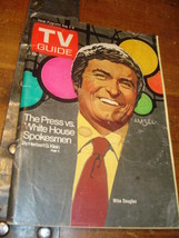TV GUIDE Mike Douglas THE PRESS VS. WHITE HOUSE SPOKESMEN - $5.88