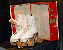 5 1/2 Women's Roller Skates with red and white case AA19-1592 Vintage
