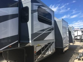 2019 HIGHLAND RIDGE OPEN RANGE 5TH WHEEL FOR SALE -SM375 image 3