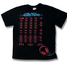 THE BLACK EYED PEAS - SOUND, MIXING BOARD CONCERT TOUR T-SHIRT / SZ. M - $9.87