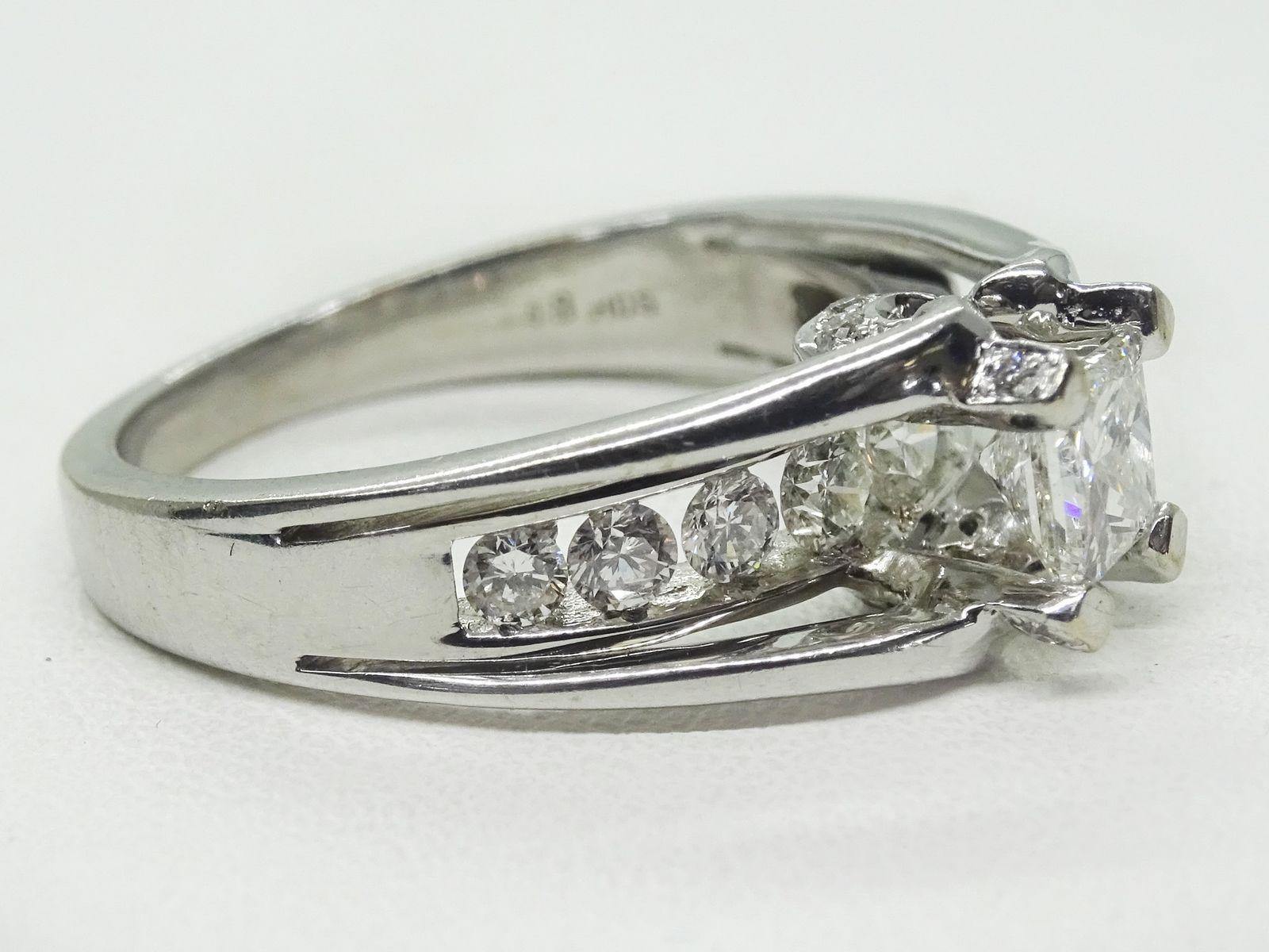 18k White Gold Princess Cut 1.00ct tw Helzberg Diamond Engagement Ring Size 6.5