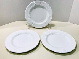 Indiana Colony Harvest Grape Pattern Milk Glass Vintage Set Of 3 Dinner Plates - $20.53