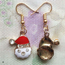 SANTA CLAUS EARRINGS              ITEM # 8120         COMBINED SHIPPING - $3.75