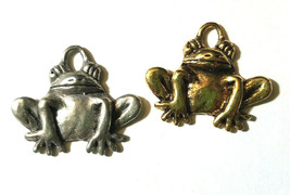 SITTING FROG FINE PEWTER PENDANT CHARM