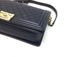 100% AUTHENTIC CHANEL NAVY BLUE QUILTED LEATHER NEW MEDIUM BOY FLAP BAG GHW image 6