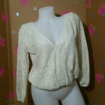 American Eagle Outfitters Ivory Lace Top Small - $16.99