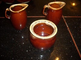 VINTAGE Hull Oven Proof Brown Drip 2 CREAMERS AND SUGAR BOWL - $14.99