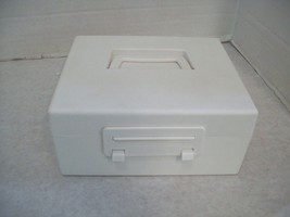 Battery Keeper Storage Box, Store all sizes US SELLER - $10.59 CAD