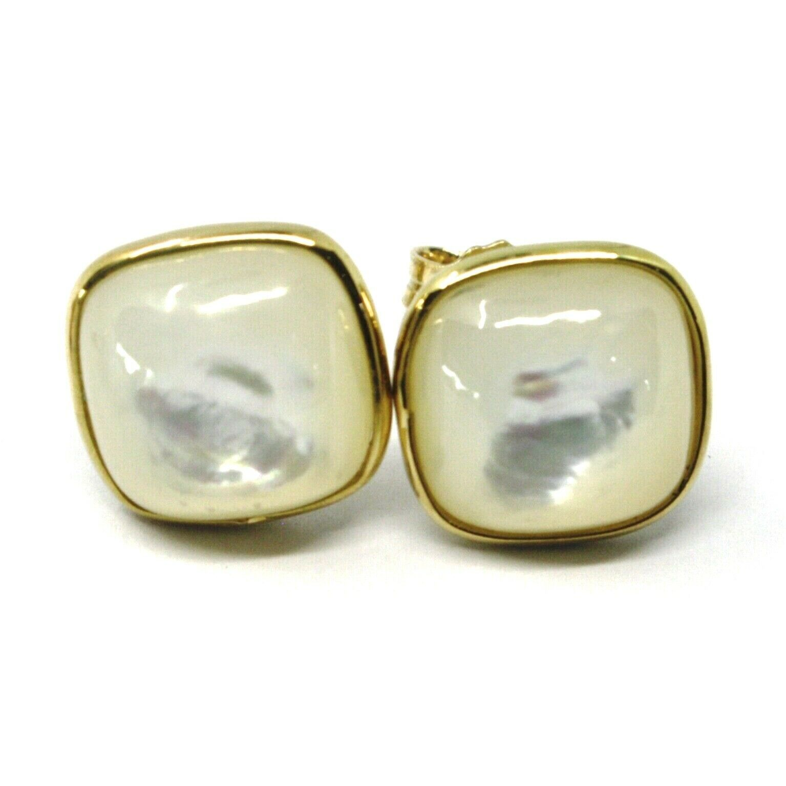 18K YELLOW GOLD BUTTON LOBE EARRINGS, CABOCHON SQUARE MOTHER OF PEARL DIAM. 9mm