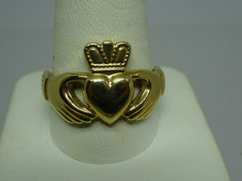 Vintage SOLVAR 9ct Gold Claddagh Ring,Size 9,Ireland,6.2 grams - $300.00