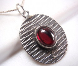 Garnet Ellipse on Etched Lines Necklace 925 Sterling Silver Oval New - $20.74