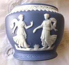 Wedgwood White on Blue Greek Walking Beauties & lace trim Jasperware bowl - $31.98