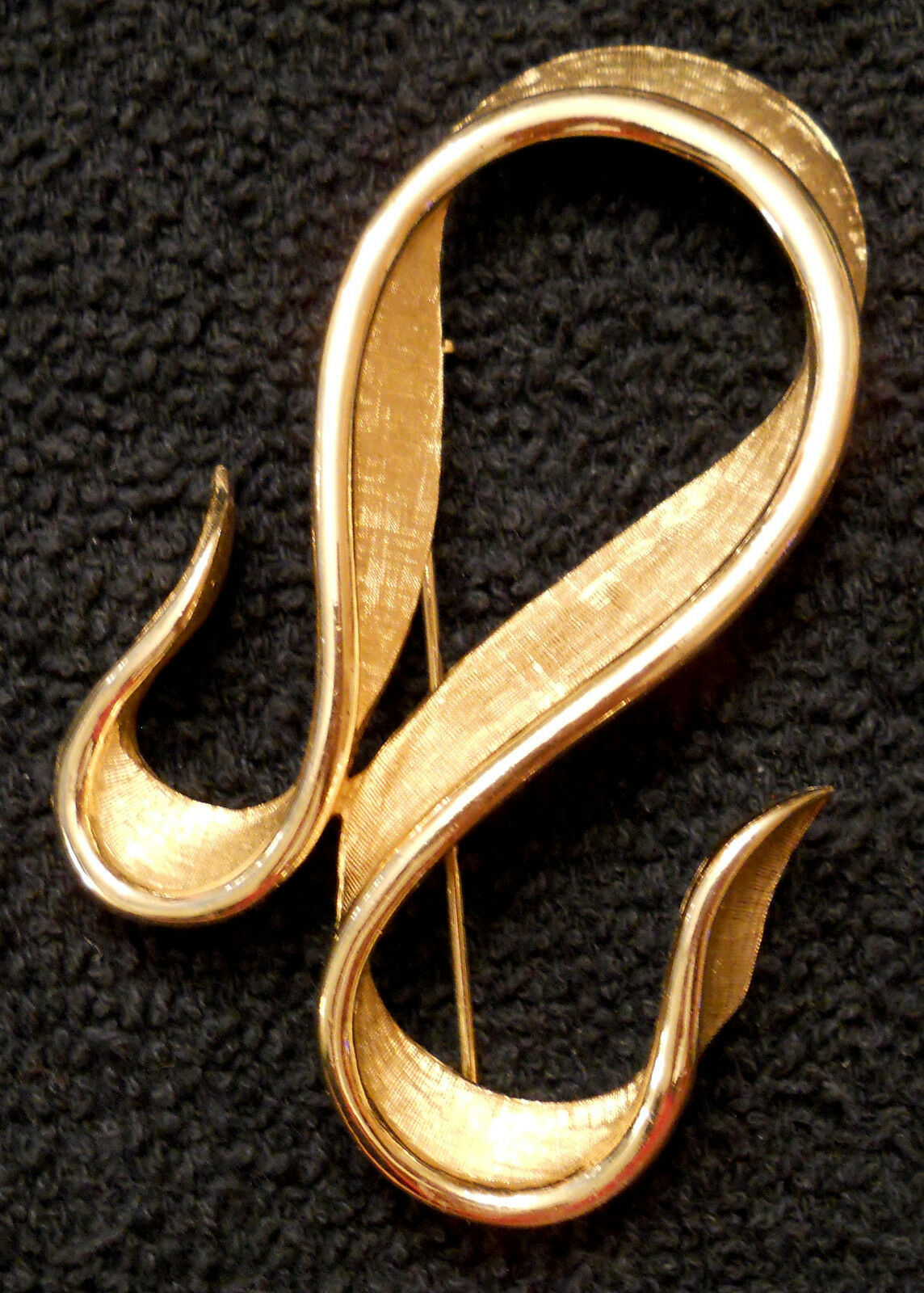 Primary image for Marcel Boucher Statement PIN Avon Belleville Textured Ribbon BROOCH 7507 VTG 3""