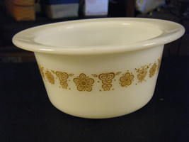 Vintage Pyrex 75 Gold Butterflies Butter or Individual Casserole Dish - $12.86