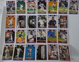 2006 Topps Series 1 & 2 Chicago Cubs Team Set of 25 Baseball Cards - $8.00