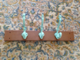 turquoise colored beach decor wall rack 3 hook for clothing, keys, jewelry - $29.99