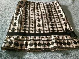 Nannete Lepore Black&Creme Raised Flowered Skirt Sz 0 With Slits Beautiful - $39.59