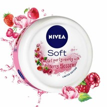 NIVEA Soft, Light Moisturising Cream, Berry Blossom, 200ml NEW - $13.90