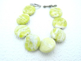 VTG Style Silver Tone Heart Clasp Yellow & White Marbled Glass Beaded Br... - $9.90