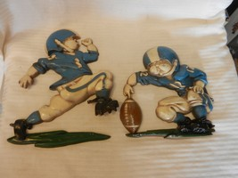 Pair of Vintage 1976 Homco Metal Football Players Wall Hanging Kicker & ... - $44.54