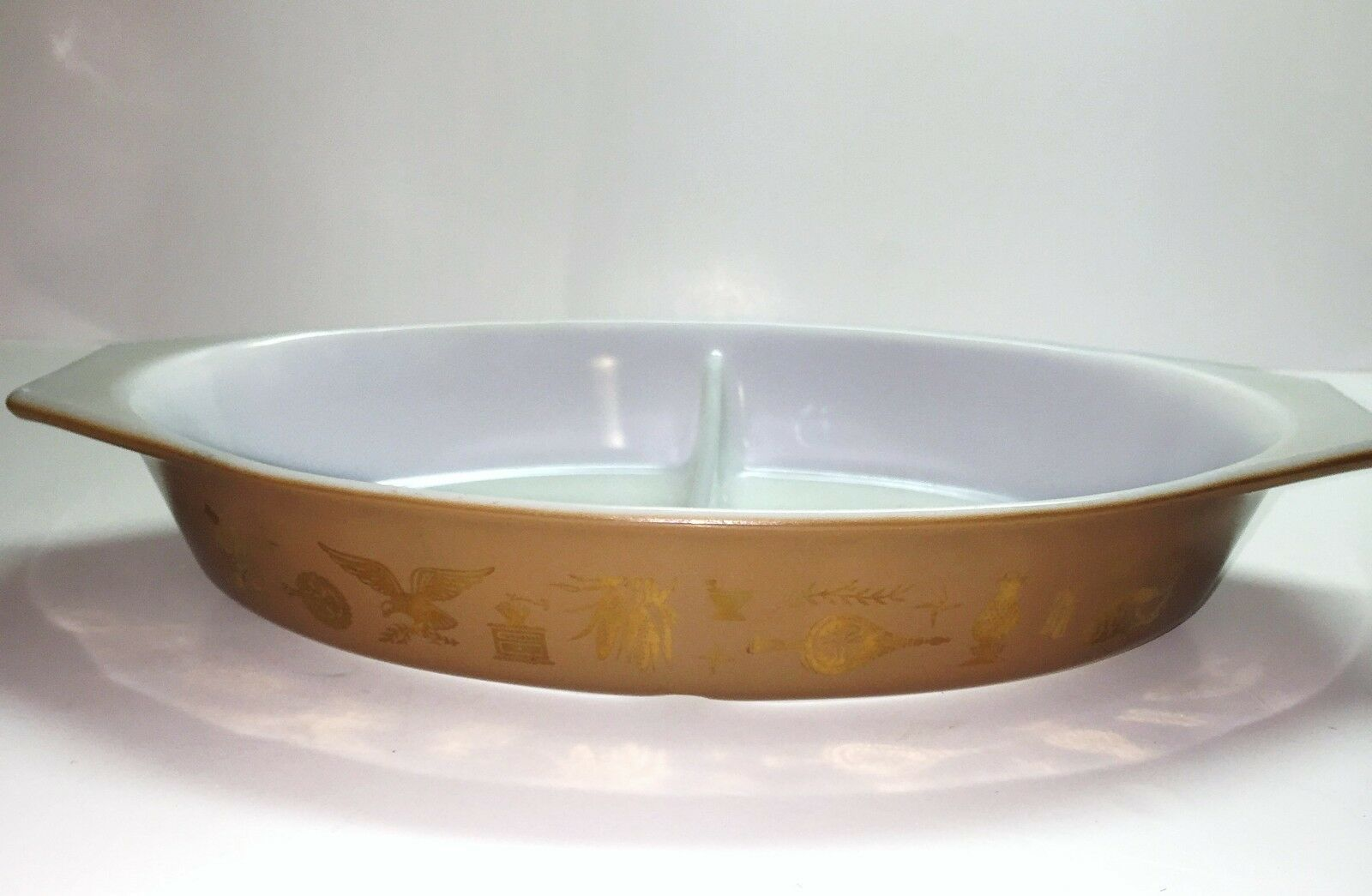 Vintage Pyrex Early American Divided Casserole Dish 1.5 Quart - Brown Gold