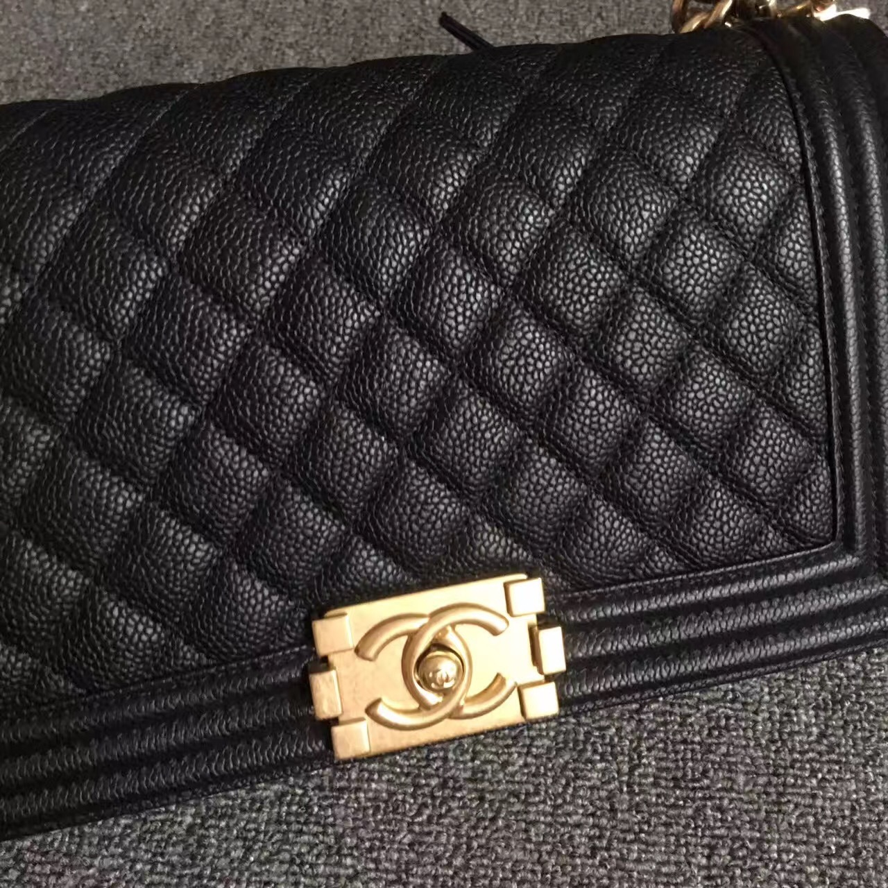 AUTHENTIC NEW CHANEL 2017 LE BOY BLACK CAVIAR MEDIUM FLAP BAG GHW RARE