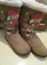ED HARDY Tan Suede Snowblazer 'Love Kills Slowly' Boots Women's 5 winter - $34.64