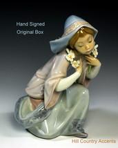 "LLADRO ""LITTLE VIRGIN"" #5752 -YOUNG GIRL HOLDING FLOWER STEMS IN EACH HA... - $167.31"