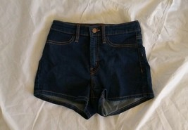 Wild Fable Women's Zippered High Rise Dark Wash Blue Jean Short Size 4/27R - $16.82