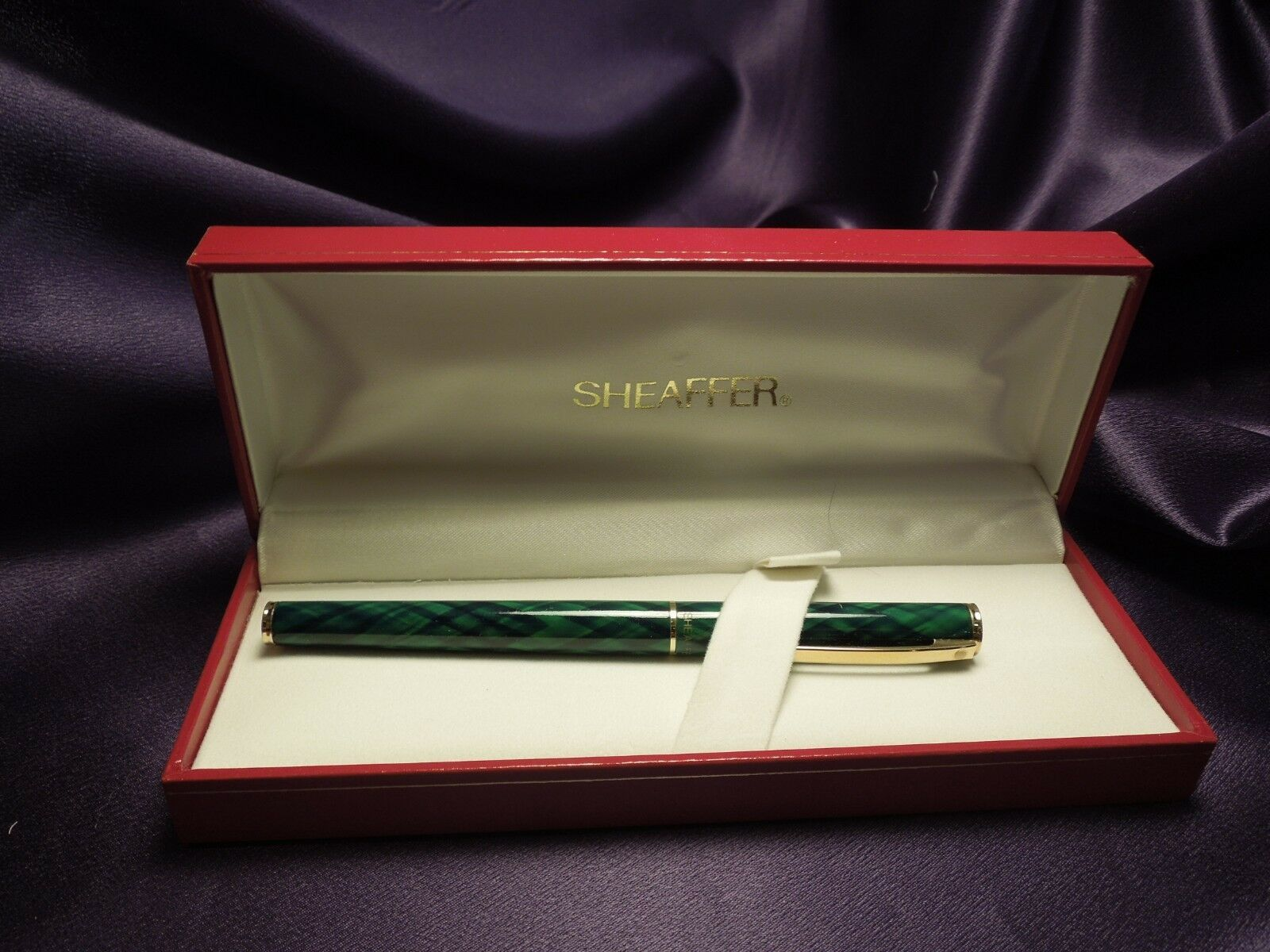 Green & Gold Sheaffer Ballpoint Pen in Original Red and Gold Box image 2