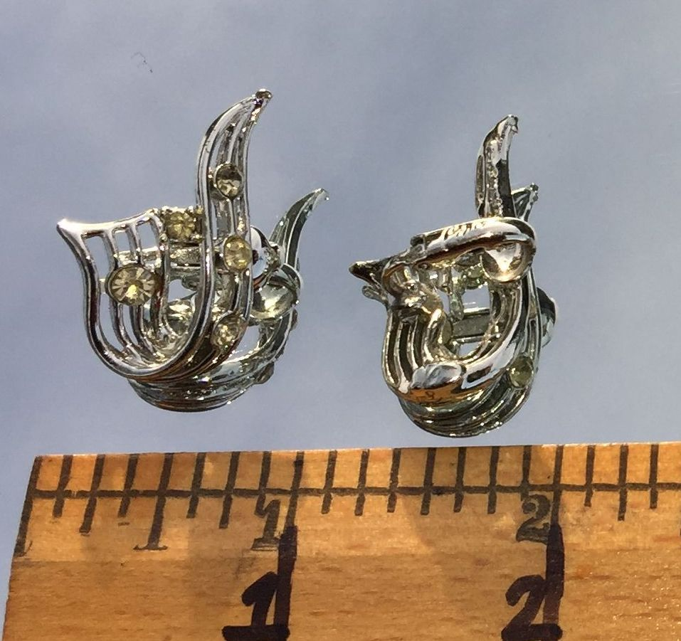 VTG 30s Silver Tone Openwork RIbbon Clear Paste Rhinestones Clip On Earrings~GVC image 5